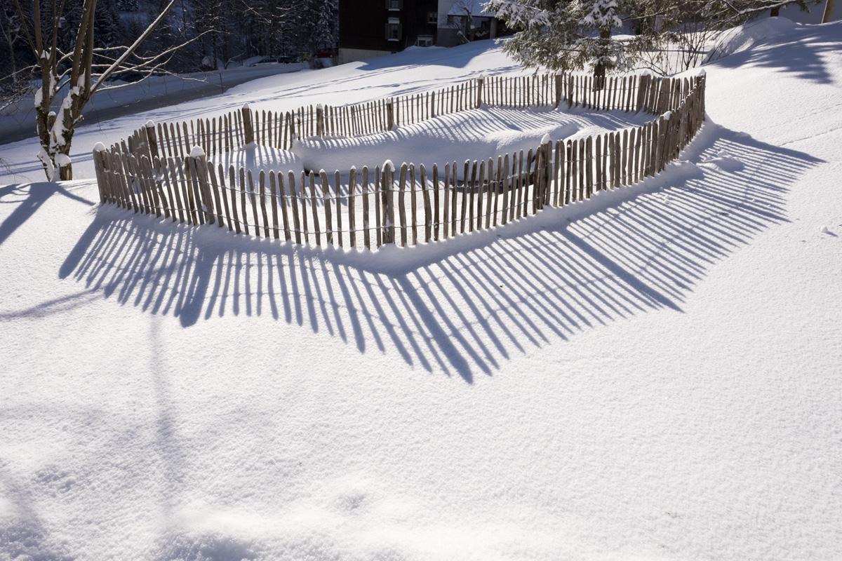 Valschena appartement garten teich winter valschena for Teich winter